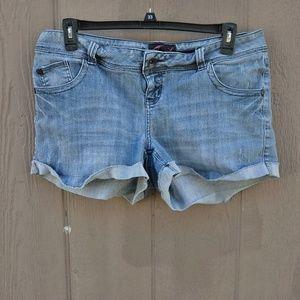 Torrid Distressed Shorts Women's Size 14
